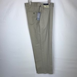 NWT! Roundtree & Yorke Easy Care Classic Fit Pants